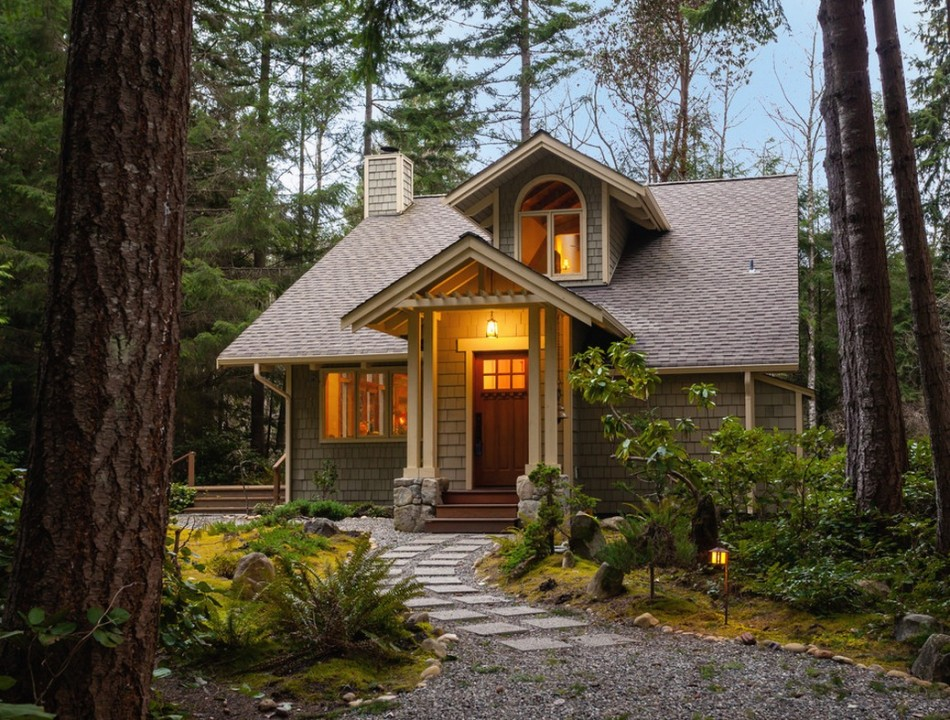 downsize-small-home-exterior-950x720
