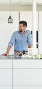 bucatarie-echipata-feronerie-blum